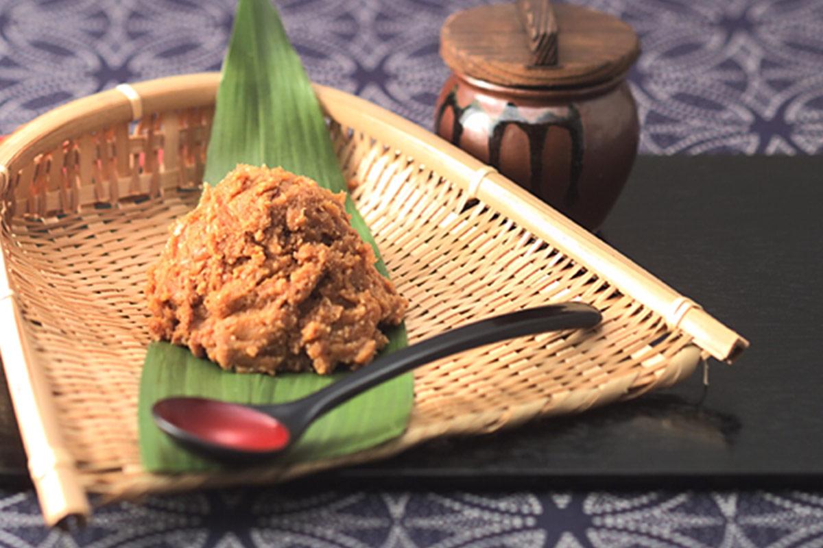 横浜贅沢三昧、米麹と小麦麹のブレンドでつくる味噌
